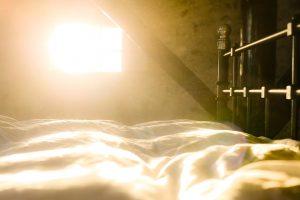 Reloj despertador amanecer