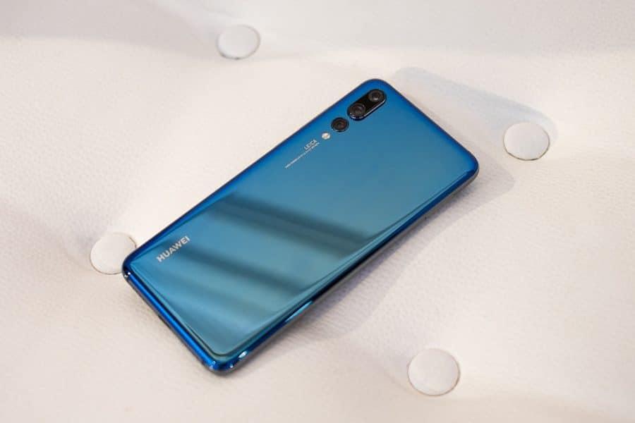 Galaxy A20e 2 en 1 Duro PC Funda y Soft TPU C/áscara de Cubierta Protectora de Doble Funda Caso para Samsung Galaxy A20e Azul Protector de Pantalla AROYI Funda Samsung Galaxy A20e