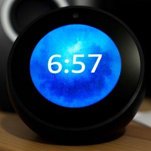 Alexa altavoz despertador
